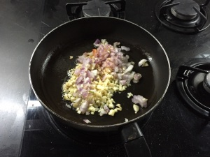 Stir fry garlic and onion 2
